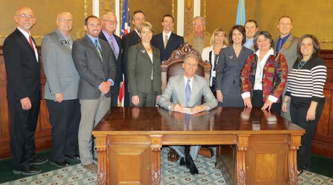 Governor Dennis Daugaard makes animal cruelty a felony in South Dakota, 2014.03.14