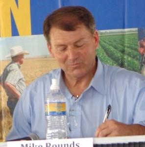 Republican candidate for U.S. Senate Mike Rounds, Dakotafest debate, Mitchell, SD, 2014.08.20